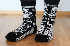 Sweet things: Star Wars - villasukat Arne And Carlos, Knitting Patterns, Crochet Patterns, Patterned Socks, Knitting Socks, Mittens, Ravelry, Knit Crochet, Geek Stuff