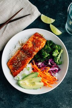 Teriyaki Salmon Bowls come together quickly for a healthy and delicious we. - dinner recipes -These Teriyaki Salmon Bowls come together quickly for a healthy and delicious we. - dinner recipes - Cilantro-Lime Chicken with a Mango Avocado Salsa Salmon Recipes, Seafood Recipes, Dinner Recipes, Dinner Ideas, Snapper Recipes, Healthy Weeknight Meals, Healthy Recipes, Weeknight Dinners, Easy Recipes