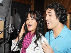 A Wondrous Place! See Aladdin Stars Adam Jacobs & Courtney Reed Make Magic in the Recording Studio