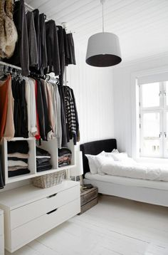 Open wardrobe with Stolmen system.