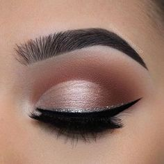 """That blending though @chelseasmakeup _______ Brows: @anastasiabeverlyhills • dipbrow pomade in """"ebony"""" Eyes: @morphebrushes • 25A palette Liner: @anastasiabeverlyhills • waterproof cream colour in """"jet"""" and @urbandecaycosmetics heavy metal glitter liner in """"glamrock."""