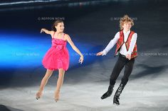 (L to R)  Adelina Sotnikova (RUS),  Kevin Reynolds (CAN),  JULY 27, 2013 - Figure Skating :  LOTTE presents THE ICE 2013  at Osaka Municipal Central Gymnasium, Osaka, Japan.  (Photo by YUTAKA/AFLO SPORT) [1040]