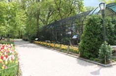 The Staten Island Zoo is also known as Barrett Park. It's one of Staten Island's child freindly attractions.
