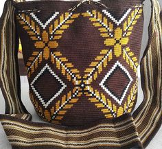 Wayuu Mochila bag #tejidoamano #tejidoancestral #hechoencolombia #bag #bolsos