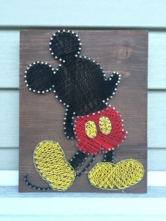 Your favorite Mickey Mouse lover will adore this Mickey Mouse String Art sign. Choose either a brown, gray or white board. I recommend using hanging strips if you would like to hang this sign on the wall. However, if you prefer a sawtooth to be Disney String Art, Nail String Art, String Crafts, Resin Crafts, String Wall Art, Diy Wall Art, Nursery Wall Art, Diy Art, Nursery Decor