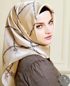 Beautiful Muslim Women, Beautiful Hijab, Hijabi Girl, Girl Hijab, Ash Blonde Balayage, Head Scarf Tying, Hijab Niqab, Muslim Beauty, Hijab Tutorial