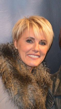 22 Best Dana Winner images | Short hair dos, Short ...