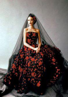 "Nadja Auermann in ""Romance, Decadence"" for Harper´s Bazaar, 1994."