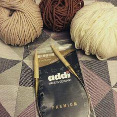 Reshared:@susi_strickliesel_knitdesign Verwenden einer neuen Nadel ist wie der Beginn einer neuen Liebe a new needle is like a new love. #handmade #dawanda #selbstgemacht  #knitting #stricken #knittersofinstagram #knittinglove  #iloveknitting #handknit #knitwear #knistagram #wolle #diy #doityourself #knittingblogger #fashiondesign #mode #beanie #addifriends #mütze #koeln #köln #cologne #strickenisttoll #instastrick #susistrickliesel  #addineedles #addibamusnadel #addirundstricknadel