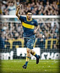 """Juan Román RIQUELME """" el Torero"""";  1996–2002 BOCA JUNIORS ARG, 2002–2005 Barcelona SPA, 2003–2005 Villarreal (loan) SPA, 2005–2007 Villarreal SPA, 2007BOCA JUNIORS (loan) ARG, 2008–2014BOCA JUNIORS ARG, 2014 Argentinos Juniors ARG"""