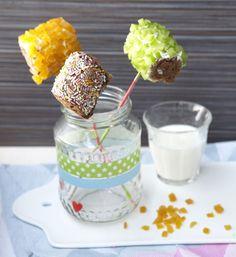 hartige en zoete broodpops * pops made from bread - Kijk voor het recept op LiefdevoorLekkers.