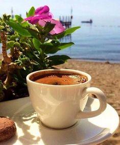 Coffee Puns, Coffee Gif, Coffee Humor, Coffee Break, Coffee Drinks, Coffee Photos, Coffee Pictures, Coffee And Books, I Love Coffee