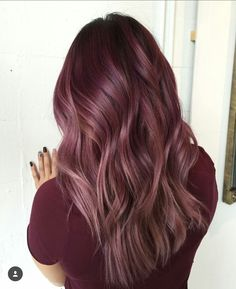 We've collected 47 gorgeous burgundy hair color ideas and styles that would look great with this sexy, rock-star hue. Go a bit outside your comfort zone and make an appointment with your stylist today to rock your new maroon or burgundy hair color! Maroon Hair Colors, Hot Hair Colors, Ombre Hair Color, Maroon Color, Balayage Color, Burgundy Hair Ombre, Balayage Hair, Hair Colors For Fall, Reddish Purple Hair