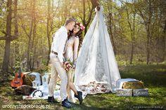 Ślub wesele boho Boho wedding. Scenografia. www.uroczystedekoracje.pl  Foto. http://www.magdalenatarach.pl/