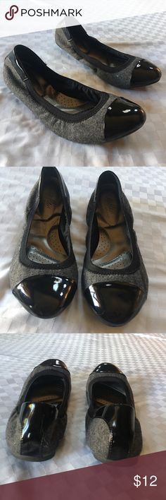 Grey Wool and Black Patent Leather Ballet Flats Be kind to you feet!  With these flexible flats. One small scuff on toe.  In great used condition. dexter Shoes Flats & Loafers