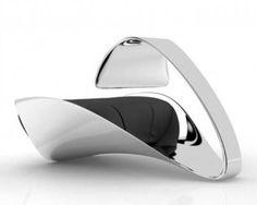 [F]  近未来的な椅子。これの特集他のも近代的だけど座り心地は微妙そう...デザイン性を優位にすると楽しいかたちにはなるなあ