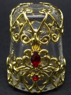 Cristal con filigrana y cristales. Republica Checa. Thimble-Dedal-Fingerhut.