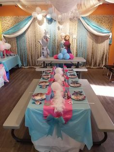 Jump2It:  Frozen themed birthday party