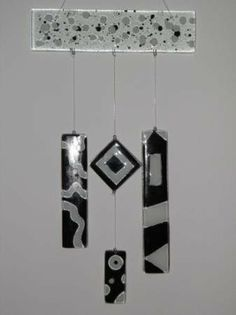 Fused Glass, Stained Glass, Glass Fusion Ideas, Wind Chimes, Glass Art, Pottery, Ceiling Lights, Plates, Crafts