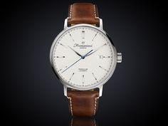 Fromanteel generations Pendulum watch GP-1101 1e mechanische horloge van Fromanteel verkrijgbaar in 2 verschillende kleuren banden