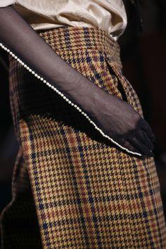 Dries Van Noten Fall 2016 Ready-to-Wear Fashion Show Details