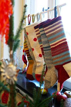 Just LOVE these holiday stockings Merry Little Christmas, Noel Christmas, Country Christmas, Winter Christmas, Christmas Crafts, Christmas Decorations, Knitted Christmas Stockings, Xmas Stockings, Christmas Knitting