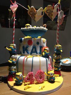 Minion cake Gift