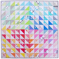 Rainbow Half Square Triangle Quilt Rainbow Quilts are such happy quilts! Personally, I'd be happy to make simple patchwork and rai. Triangle Quilt Tutorials, Half Square Triangle Quilts Pattern, Square Quilt, Triangle Square, Triangle Design, Scrappy Quilts, Easy Quilts, Mini Quilts, Quilting Projects