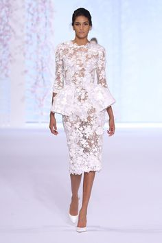 Pin for Later: The Most Stunning Wedding Dresses From Couture Fashion Week Ralph & Russo Haute Couture Spring/Summer 2016 Fantasy Wedding Dresses, Wedding Party Dresses, Couture Fashion, Fashion Show, Paris Fashion, Runway Fashion, Style Fashion, Lace Peplum Dress, Ralph & Russo