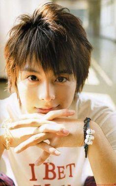 Koike Teppei <3. His song Kimi No Okuru Uta always makes me smile.
