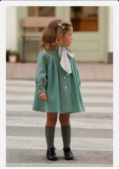 The Tips No Fashionista Wants to Teach You J'adore la mode vintage pour les petites filles, me r Outfits Niños, Baby Outfits, Toddler Outfits, Little Girl Outfits, Little Girl Fashion, Toddler Fashion, Fashion Children, Children Outfits, Little Girl Style