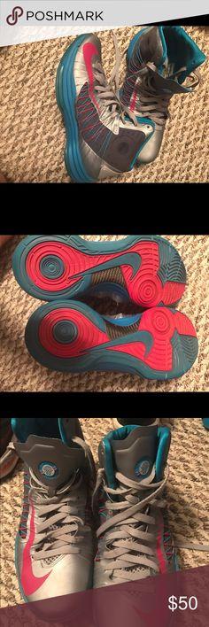 Nike hyperdunk basketball shoes Size 10 Nike hyperdunk men's basketball shoes Nike Shoes Athletic Shoes