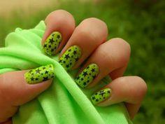 Nail Art Designs Green Glitter - Cute Green Nail Designs With Stars Star Nail Designs, Latest Nail Designs, Green Nail Designs, Simple Nail Art Designs, Colorful Nail Designs, Nail Polish Designs, Beautiful Nail Designs, Cute Nail Designs, Nails Design