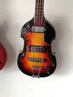 Aria 1969 violin bass guitar 1420b model