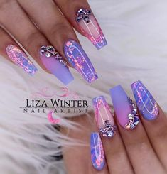 using Glitterbels core powder in:- Sugared Almond Snowdrops White and Glass Slippers. Colour Powders in :- petal candy violet… Purple Acrylic Nails, Best Acrylic Nails, Summer Acrylic Nails, Purple Nails, Bling Nails, Bling Wedding Nails, Bling Nail Art, Violet Nails, Fabulous Nails