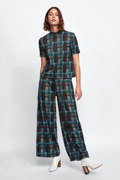 5bf7f5897ce7 ZARA - FEMME - PANTALON À CARREAUX Checker Top, Checked Trousers, Zara  Fashion,