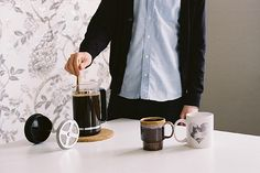 Coffee: making coffee in a french press