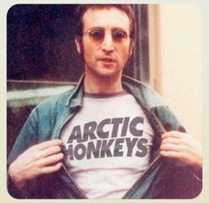 Aha how cool is that? Lennon wearing an arctic monkeys' shirt, like two legends in 1 pic @Johanna Riggan