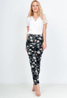 Kvetované čierne 7/8 nohavice - ROUZIT.SK Harem Pants, Spandex, Fashion, Moda, Harem Trousers, Fashion Styles, Harlem Pants, Fashion Illustrations