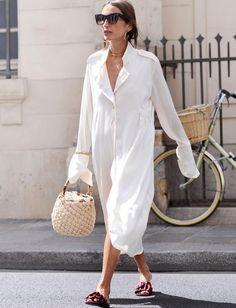 Oui à la robe chemise revisitée en mode néo-minimaliste ! (robe Ellery - photo Loulou De Saison)