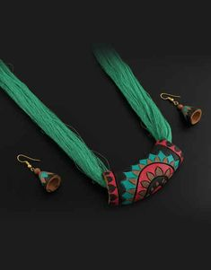Explore online designer handmade jewellery at Anuradha Art Jewellery. We offer exclusive collection in terracotta jewellery set at an affordable cost. Paper Jewelry, Fabric Jewelry, Clay Jewelry, Jewelry Art, Jewelry Shop, Ankle Jewelry, Textile Jewelry, India Jewelry, Luxury Jewelry