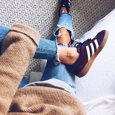 🍁 Adidas Samba by @lindsaymarcella . . . #Adidas #samba #adidassamba #adidasoriginal #adidasoriginals #mydailystreet #girlsonmyfeet #gomf #girlonkicks #wdywt #womf #sneakersmag #sneakers #snkrs #sneakersaddict #sadp #sneakersevent #dreamsneakers #sneakersoftheday #chicksonkicks #girlsonkicks #igsneakers #sneakerhead #snkrhds #highsnobiety #klekttakeover