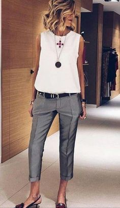 25 Best Ladies Day Dresses to please your partner - Mode Féminine Summer Business Casual Outfits, Outfits Casual, Mode Outfits, Work Casual, Heels Outfits, Outfits With Gray Pants, Dress Casual, Smart Business Casual Women, Smart Casual Women Summer