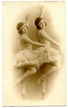 Gorgeous Vintage Image - Ballerinas - Dancers - The Graphics Fairy