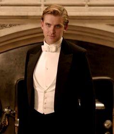 The gorgeous Dan Stevens as Matthew Crawley