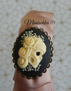Serre-tête satin vieux rose camée catrina santa uerte gypsy : Accessoires coiffure par mimischka