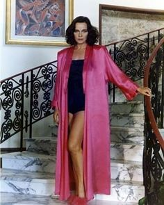 #actors #film #movies #movie #models #actor #acting #hollywood #actress #actresses #cinema #filming #films #casting #artist #celebrity #losangeles #actorslife #celebrities #pink #rose #rosa #pastel #roses #lauraantonelli http://tipsrazzi.com/ipost/1523150655014037063/?code=BUjUXNjg-ZH
