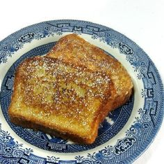 **the best french toast** Cook's Illustrated French Toast. This is hands-down our favorite French toast recipe. It is always crispy on the outside and soft on the inside. No soggy bread here! Breakfast And Brunch, Breakfast Items, Breakfast Dishes, Breakfast Recipes, Food Styling, I Love Food, Brunch Recipes, The Best, French Toast