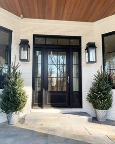 Best Door Color Colors Ideas For Modern Homes Farmhouse Black; Best Door Color Colors Ideas For Modern Homes Farmhouse Black; house best door color ideas f Black Front Doors, Modern Front Door, Exterior Front Doors, Front Doors With Windows, Black Trim Exterior House, Black Windows Exterior, Exterior House Lights, Beautiful Front Doors, Glass Front Door
