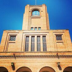 Elegante e bella, la torre di Maratona dello stadio Renato Dall'Ara